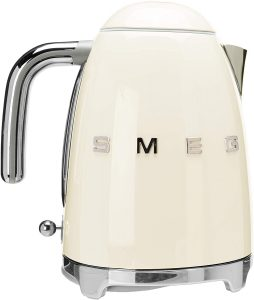 Smeg-Retro-Aesthetic-Electric-Kettle-Review